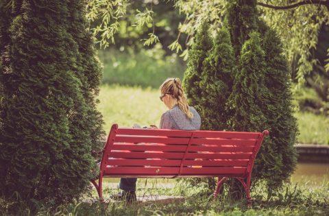 10 Faith-Inspiring Books for Your Summer Reading