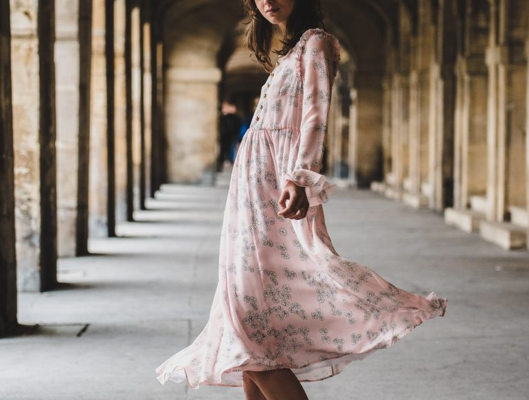 How to Dress When Traveling to the Middle East: Women's Edition